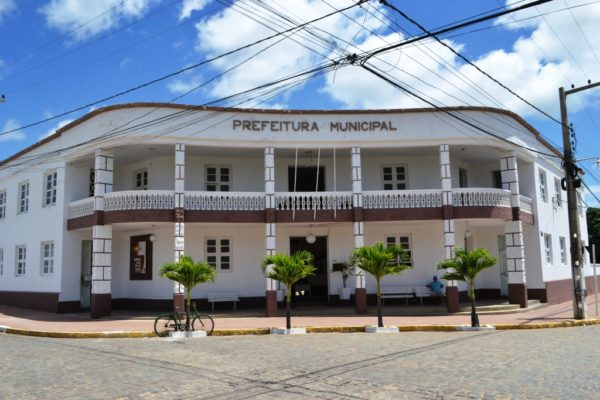 Prefeitura-Monteiro-red-1-600x400 Prefeitura de Monteiro antecipa parcela do 13º para aposentados, pensionistas e inativos