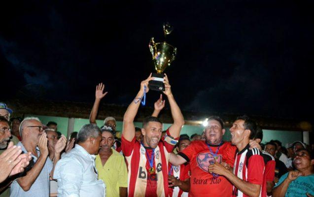 campeao-637x400 Apoio no Esporte: Secretaria de Esporte de Monteiro apoia e prestigia final de campeonato de futebol na zona rural.