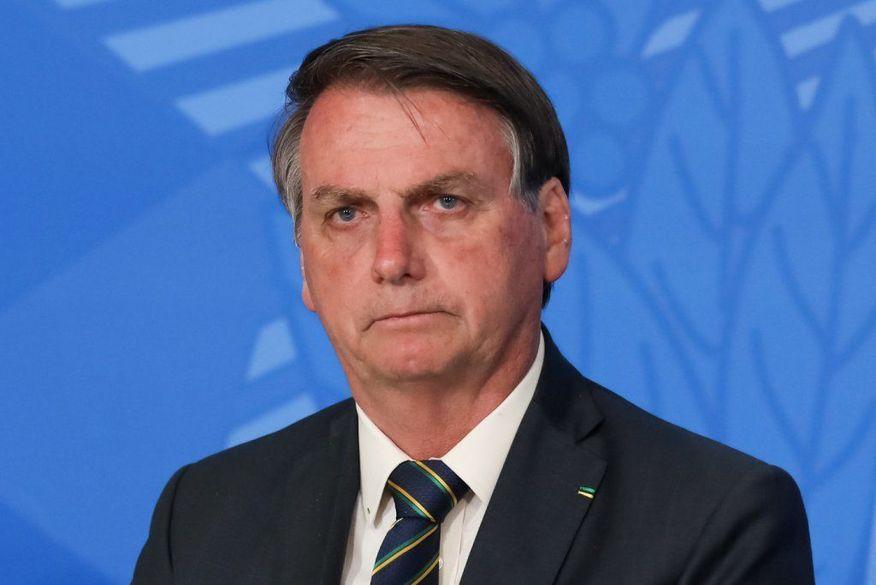 eliygxcx0aa4zxx-599x400 Ministro do STF encaminha pedido de afastamento de Jair Bolsonaro