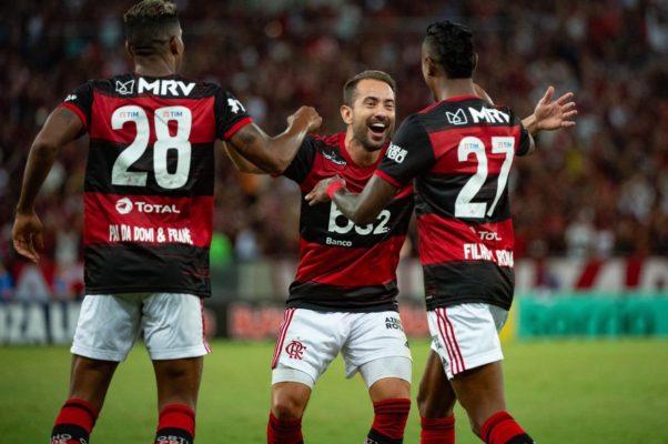 fla-602x400 Após primeiro tempo fraco, Flamengo vence clássico contra Botafogo por 3 a 0