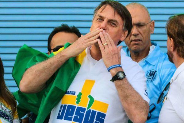 img9097256185501-600x400 Após polêmica, Bolsonaro retira artigo de MP que previa 4 meses sem salário
