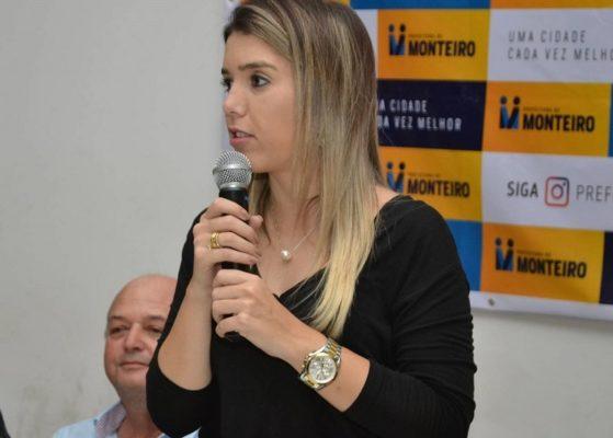 lorena-559x400 Prefeita de Monteiro repudia pronunciamento do presidente e segue com plano de contingência