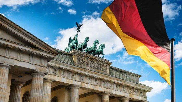 naom_590968b1a6fa4-700x394 Coronavírus avança na Alemanha com menor número de vítimas