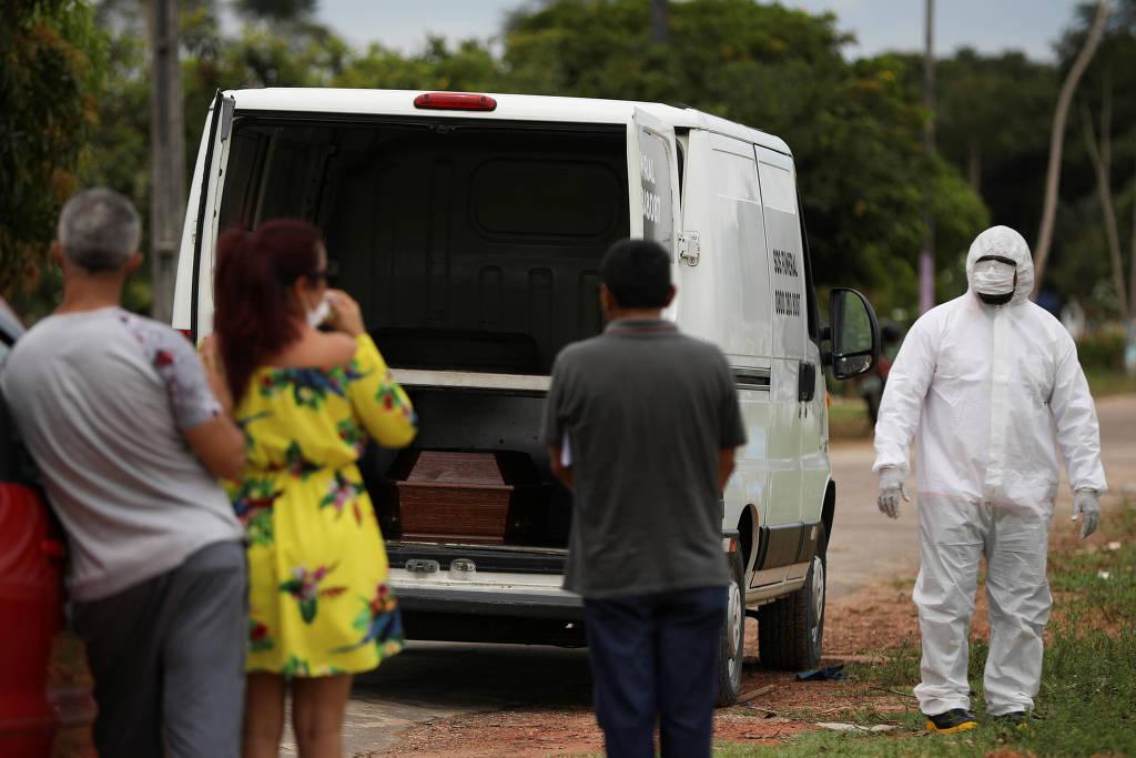 15861090395e8a1a6fa632f_1586109039_3x2_lg-600x400 Brasil registra 54 novas mortes por coronavírus; total de óbitos é de 486