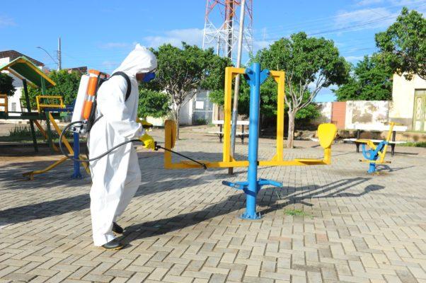 Ofi_Desinfecção-Dia-001-11-602x400 Prefeitura de Monteiro continua realizando desinfecção de ruas do município