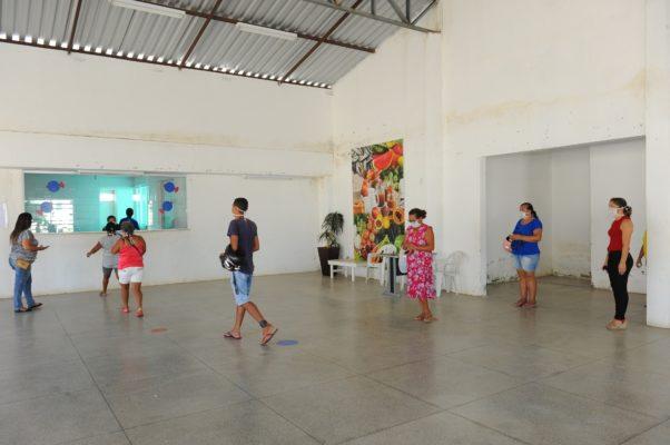 Prefeitura-de-Monteiro-beneficia-famílias-com-entrega-de-peixes-4-1-602x400 Prefeitura de Monteiro beneficia famílias com entrega de peixes