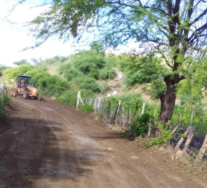 ZONA-RURAL-MONTEIRO Prefeitura de Monteiro realiza recuperação de estradas nos Sítios Barreiros e Mulungu