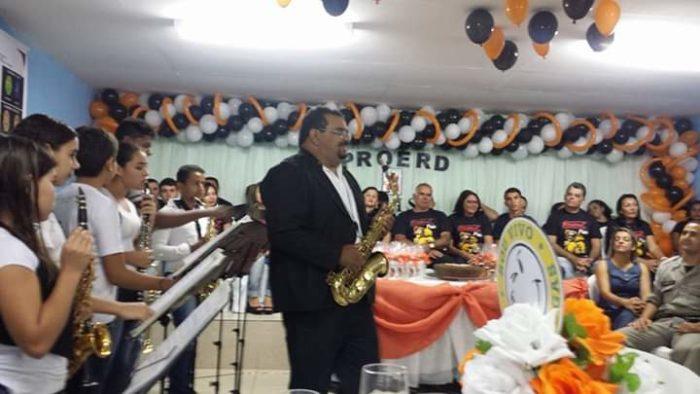 bibi-orquestra-700x394 Prata da casa: Musico monteirense resgata cultura popular dando aulas de instrumentos de sopro