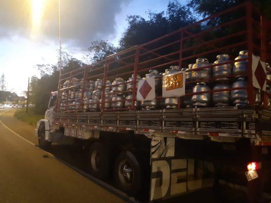 br-533x400 Botijão de gás cai de caminhão e atinge motociclista na BR-230, em João Pessoa