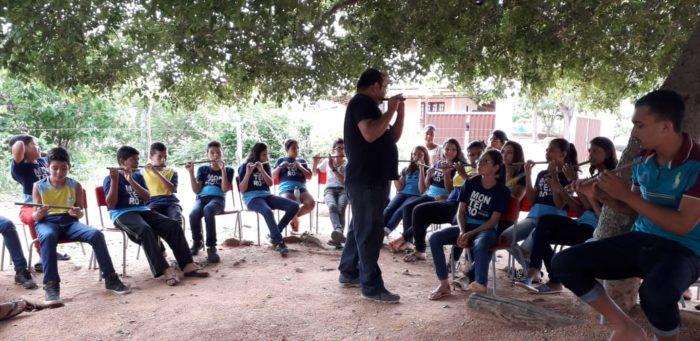 c721950e-ca38-4d6c-9792-6e64a97db528-700x341 Prata da casa: Musico monteirense resgata cultura popular dando aulas de instrumentos de sopro