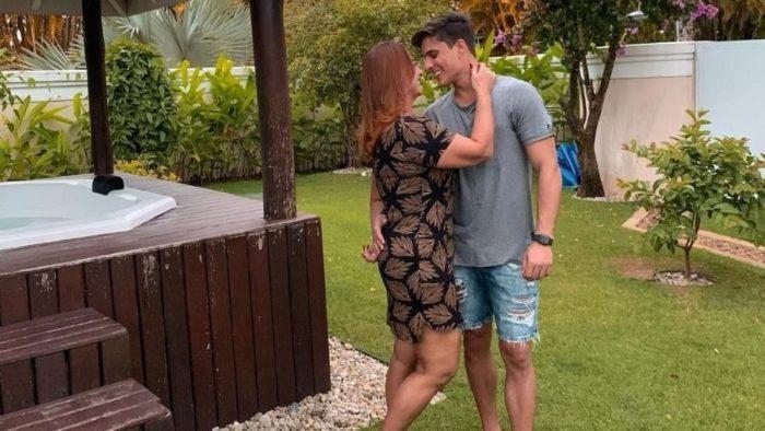 nadine-goncalves-700x394 Monteirense assume namoro com a mãe de Neymar Nadine Gonçalves