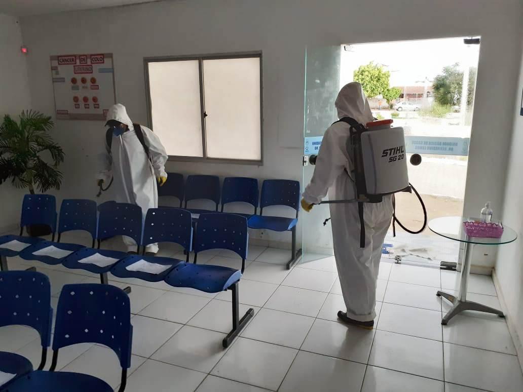 Desinfecção-de-Locais-públicos-11 Prefeitura de Monteiro realiza desinfecção de UBSs, Feira Livre e Açougue Público