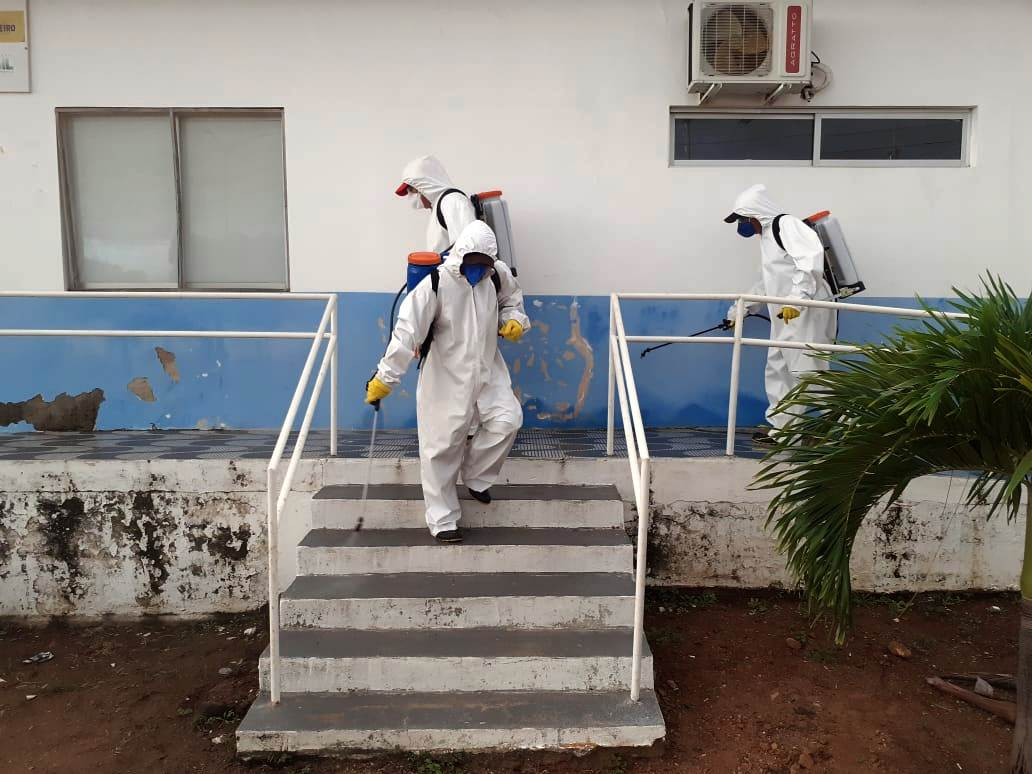 Desinfecção-de-Locais-públicos-2 Prefeitura de Monteiro realiza desinfecção de UBSs, Feira Livre e Açougue Público