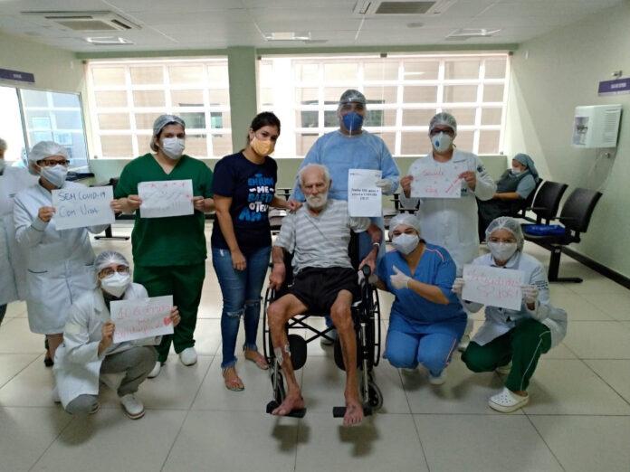 IDOSO Idoso com 106 anos é curado do coronavírus e tem alta, na PB