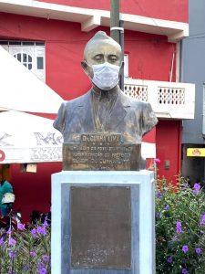 busto-mascara Estátuas recebem máscaras em campanha de conscientização na PB