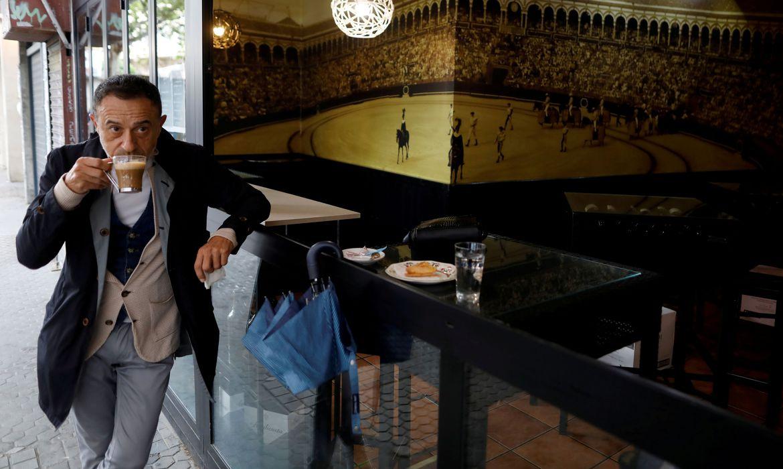 cafes-frança Cafés da Espanha reabrem após queda no total de mortes por coronavírus