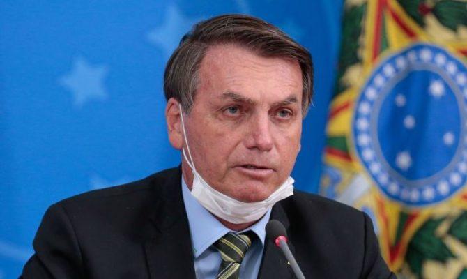 jair-bolsonaro-490b420eedb7102160bc52f2c8df4def-670x400 'Por que esse trauma? Por que esse medo?', diz Bolsonaro sobre Covid
