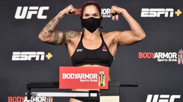 AMANDA-NUNES Amanda Nunes defender cinturão dos penas pela primeira vez neste sábado(06)