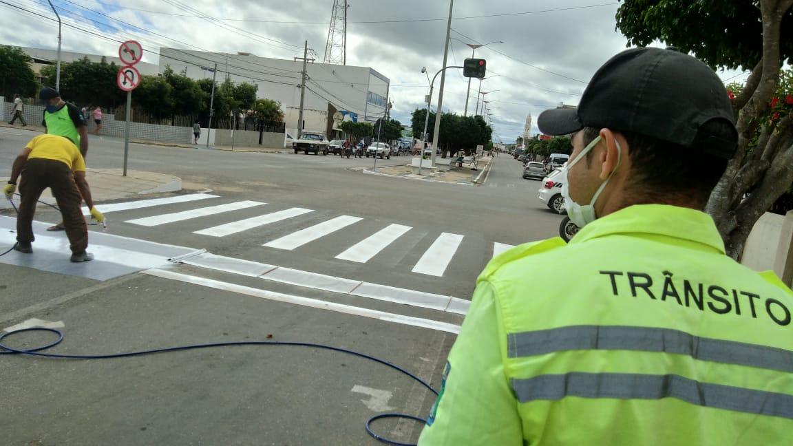 MONTRAN-realiza-revitalização-da-sinalização-horizontal-nas-avenidas-do-município-de-Monteiro-4 MONTRAN realiza revitalização da sinalização horizontal nas avenidas do município de Monteiro