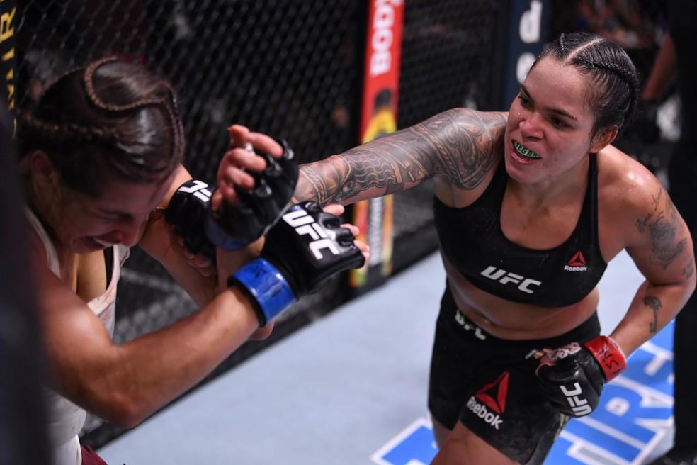 amanda-1 Amanda Nunes vence Felicia Spencer por pontos no UFC 250