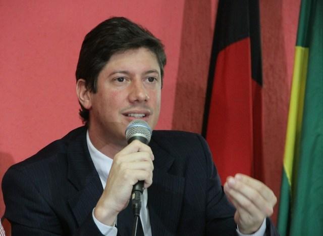 eduardo-araujo Esposo de advogada Monteirense, diretor de time Paraibano morre vítima de Covid-19, na Capital
