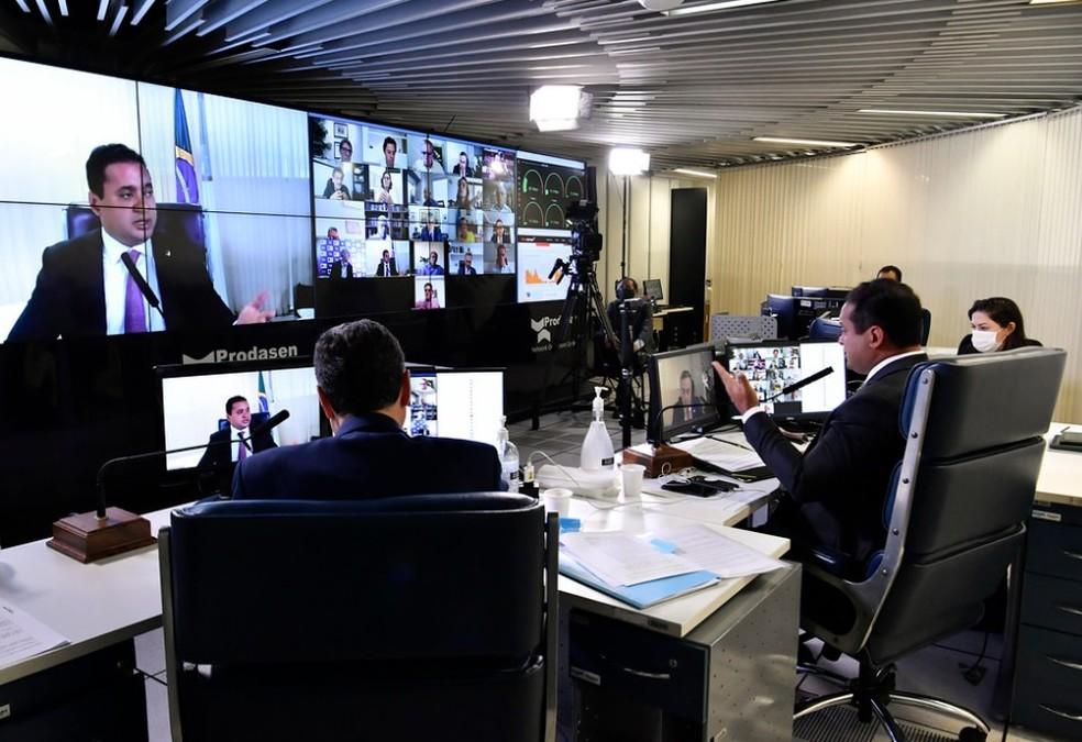 sessao-senado Eleições 2020: senadores debatem eventual adiamento com presidente do TSE e especialistas