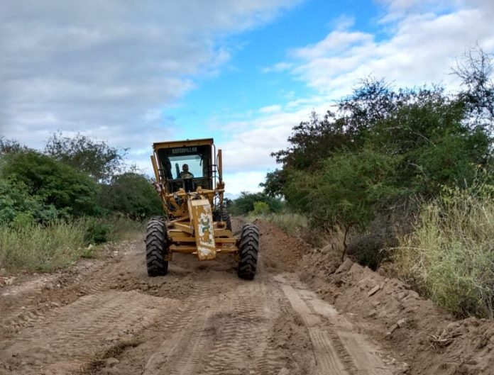 IMG_3046-e1593546695952 Prefeitura de São João do Tigre recupera estradas em vias que ligam o município a vários assentamentos
