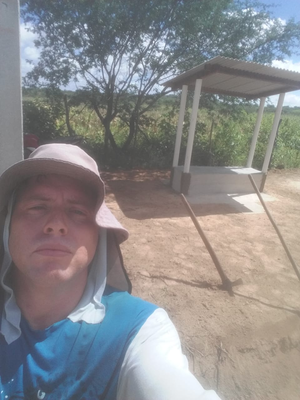 WhatsApp-Image-2020-07-04-at-09.10.34-1 Pré-candidato a vereador realiza construção de parada de ônibus em Amparo