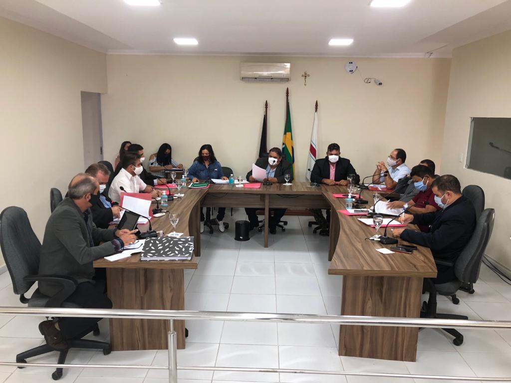 camara-municipal-de-sume Em meio à pandemia, prefeito de Sumé sanciona lei aumentando o próprio salário, dos vereadores, vice-prefeito e secretários