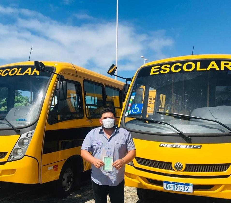 celio Prefeitura de São João do Tigre adquire mais um ônibus escolar para o município