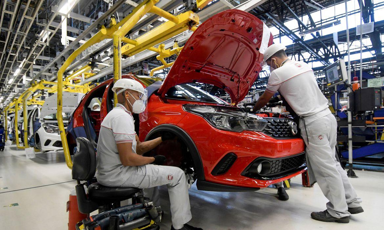 coronavirus_industria_automobilistica_fabrica2005200371 Medidas dos EUA diminuem exportações brasileiras em US$ 1,6 bi por ano