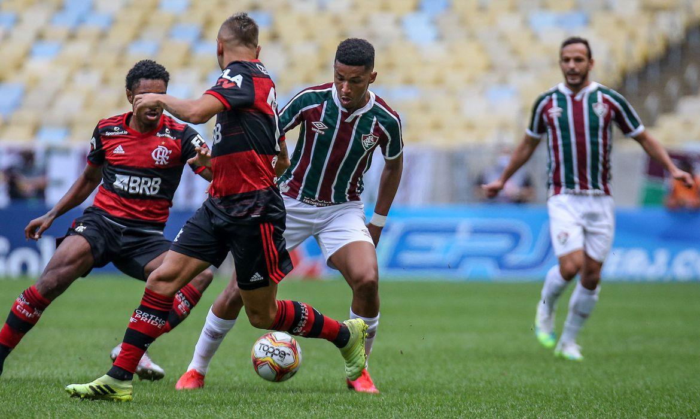 fla-flu Com rivalidade intensa, Fla-Flu encerra Carioca marcado por polêmicas