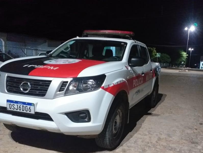 CARRO-PM-PB-2 Polícia Militar apreende arma de fogo na cidade de Prata no cariri