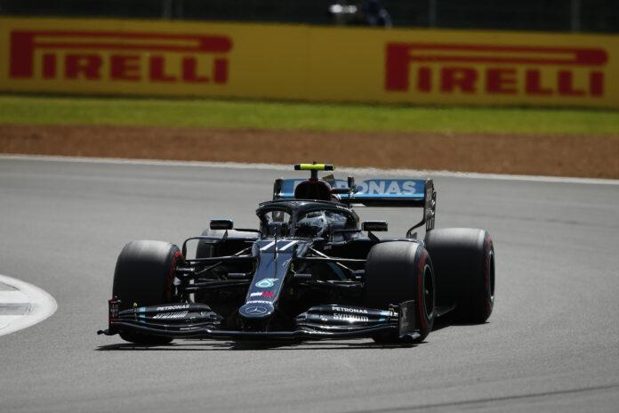F1 Mesmo com pneu furado, Hamilton vence GP da Inglaterra de F1