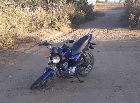 IMG-20200810-WA0181 Polícia Militar recupera moto e arma branca supostamente usada no crime de feminicidio na cidade de Zabelê