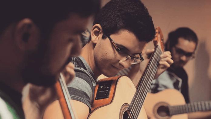 Orquestra-de-Violoes_Divulgacao-696x391-1 UFPB abre 35 vagas para curso de violão coletivo online