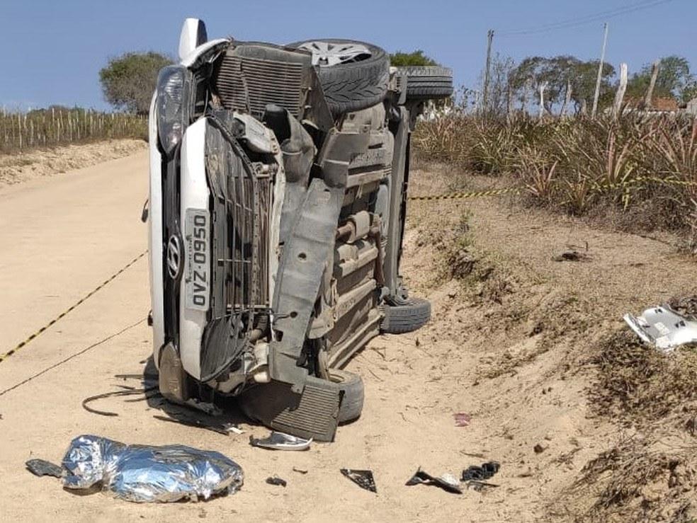 carro-capota Bebê dde dez meses morre após carro capotar no interior da PB