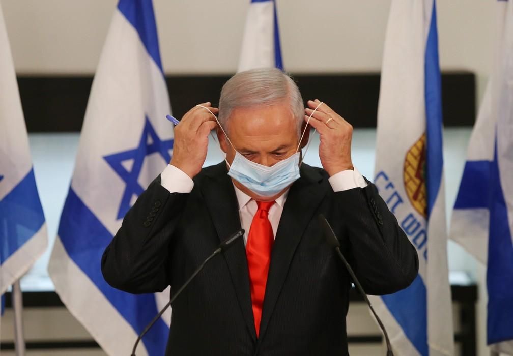 000-1x29zt Israel de volta ao confinamento