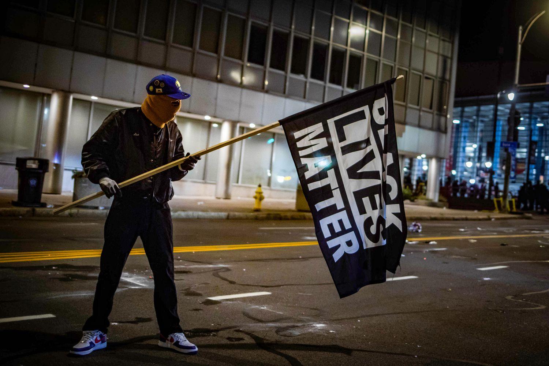 BLACK-BANDEIRA Black Lives Matter, o rumo incerto do grande movimento antirracista