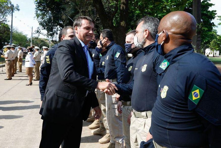 PRF Governo abrirá mais 2 mil vagas para a PRF, diz Bolsonaro