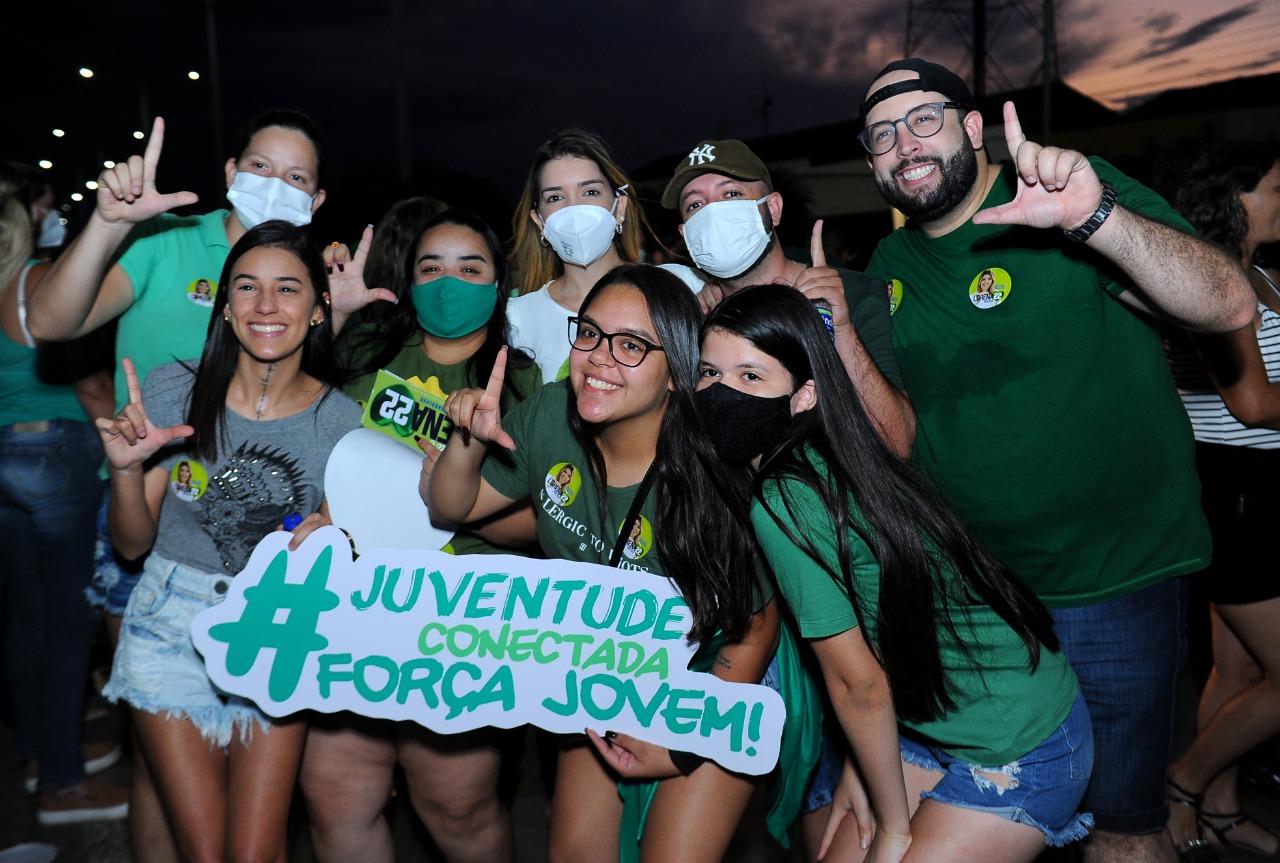 WhatsApp-Image-2020-09-28-at-22.34.49-1 Lorena e Celé participam de adesivagem e reúnem militância em Monteiro