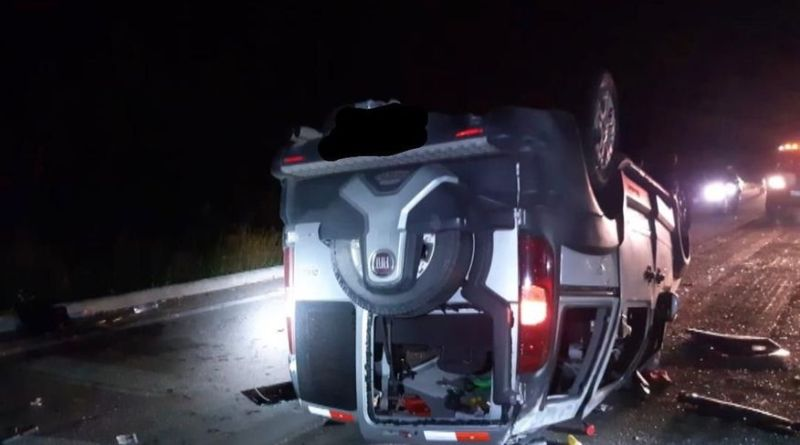 acidente-espirito Carro lotado capotar com 13 passageiros na Paraíba e deixa vários feridos