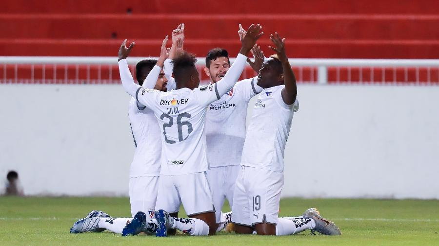jogadores-da-ldu-comemoram-gol-de-martinez-borja-contra-o-sao-paulo-pela-copa-libertadores-1600823457469_v2_900x506 São Paulo erra muito, perde para a LDU e se complica na Libertadores