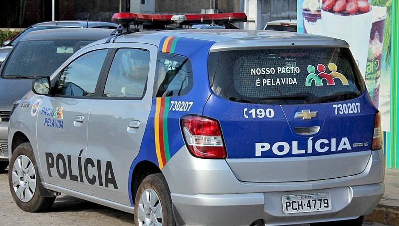 viatura-PM-PE Pai denúncia filho a Polícia Militar por tráfico de drogas em Sertânia