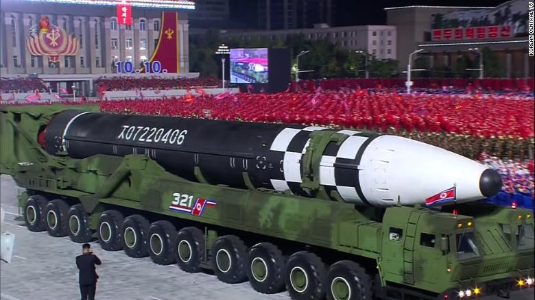 missil-coreia-norte Coreia do Norte apresenta novo míssil intercontinental em parada militar