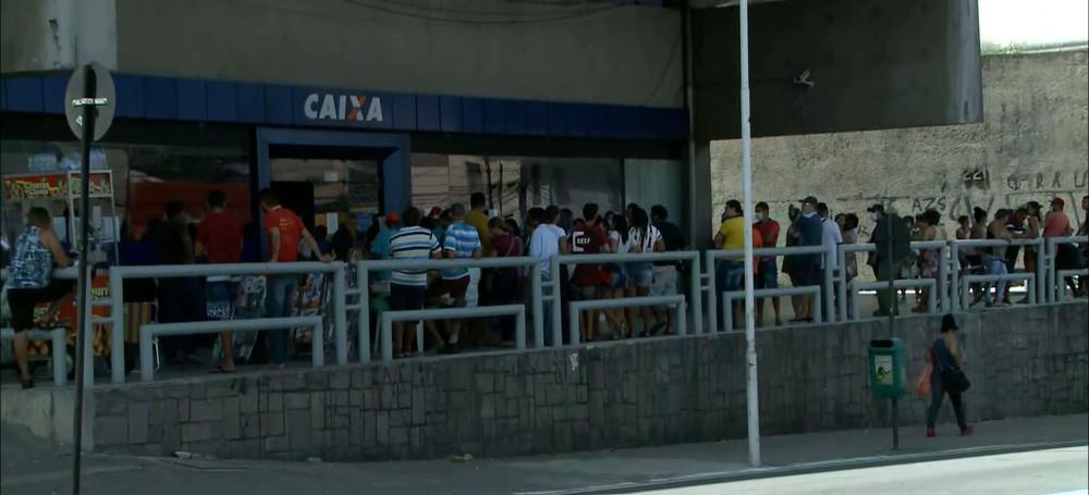 Caixa-Economica-Federal Caixa abre 11 agências na PB para pagamento do auxílio emergencial neste sábado (28)