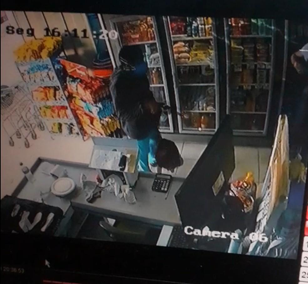 capture-20201111-072044 Policial reage a assalto e mata suspeito na PB