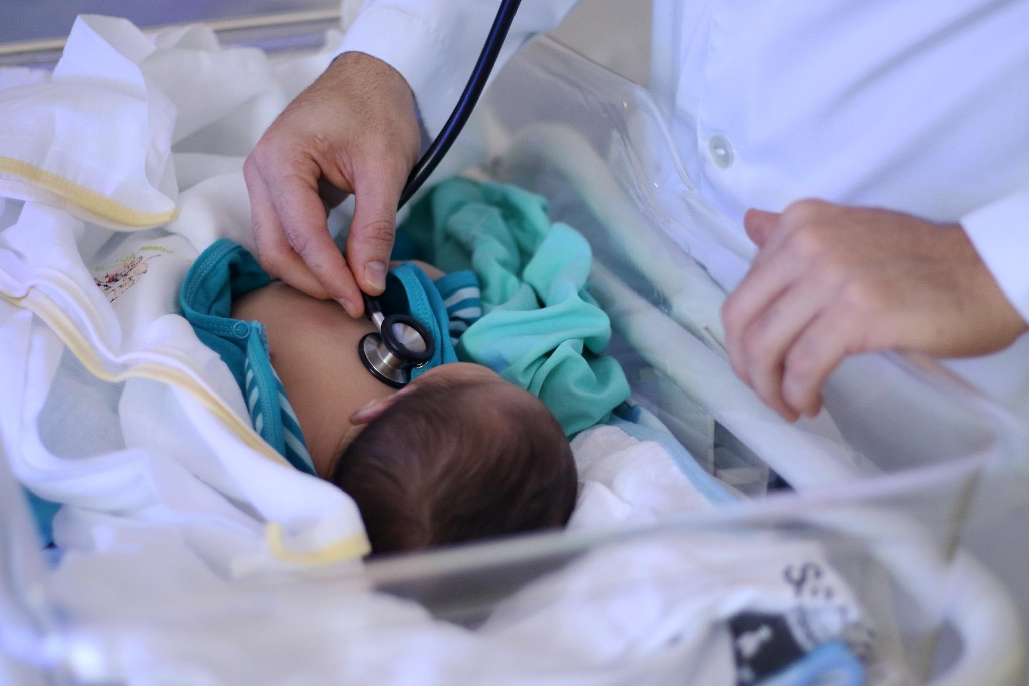 crianca-covid Bebê espanhol nasce com anticorpos contra Covid-19