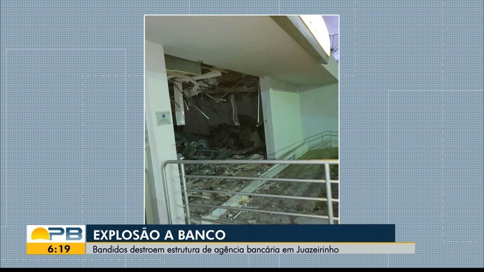 explosaobanco Grupo explode agência bancária em Juazeirinho, PB, e foge no sentido do Sertão