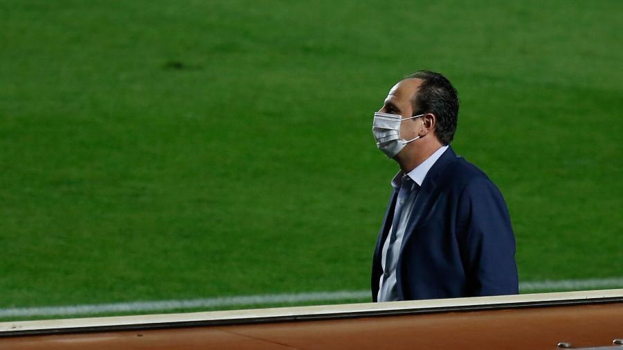 rogerio-ceni-comanda-o-fortaleza-contra-o-sao-paulo-no- Fla aguarda Rogério Ceni na terça e quer ter novo técnico contra São Paulo